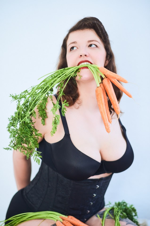 Carrots Pin-Up with Kirsch Kiraz - 3