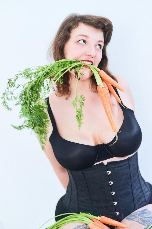 Carrots Pin-Up with Kirsch Kiraz - 2