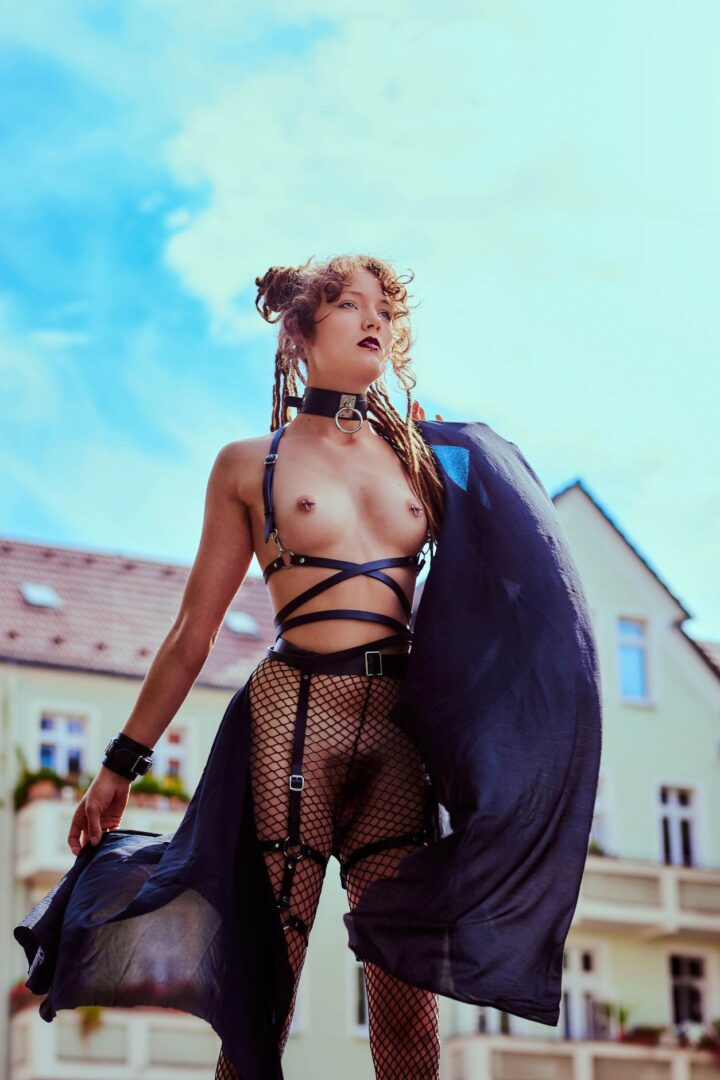 Leona as Kinky greek Goddess in Neukölln - 17
