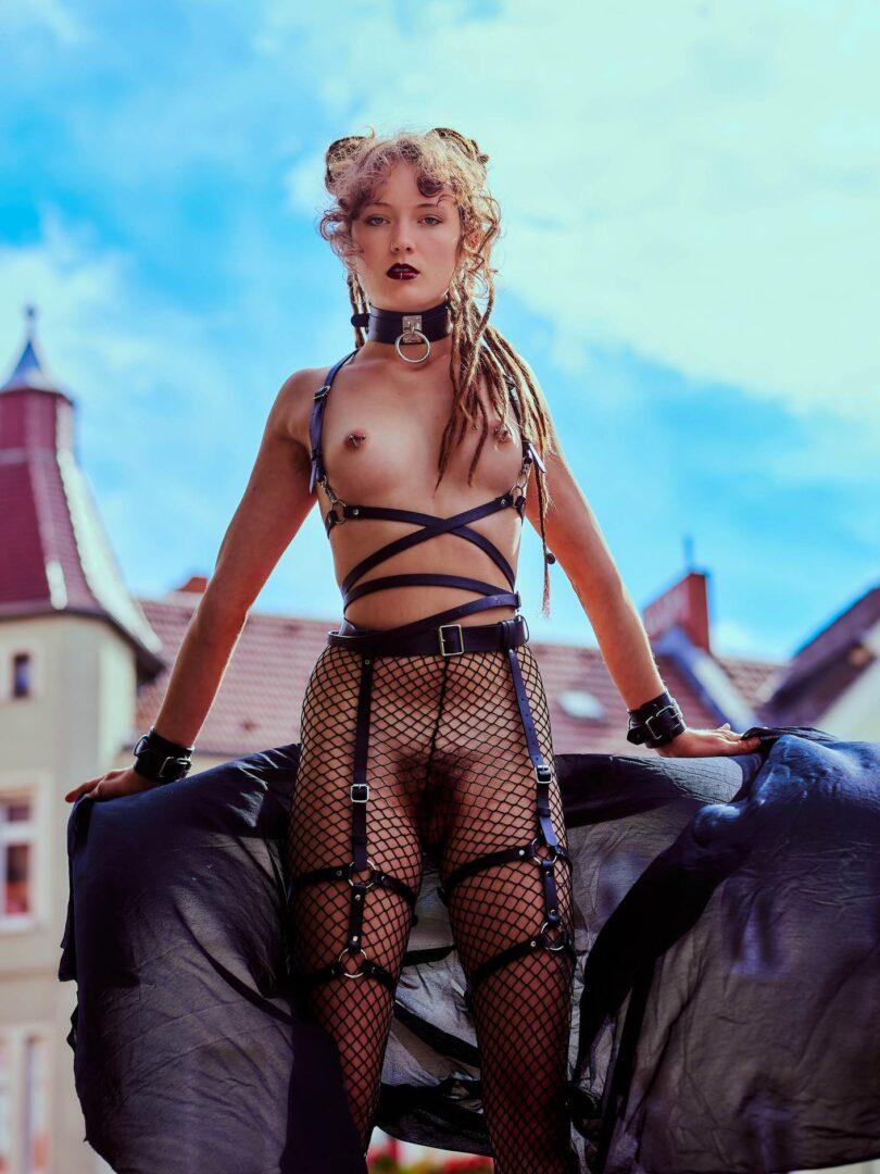 Leona as Kinky greek Goddess in Neukölln - 21
