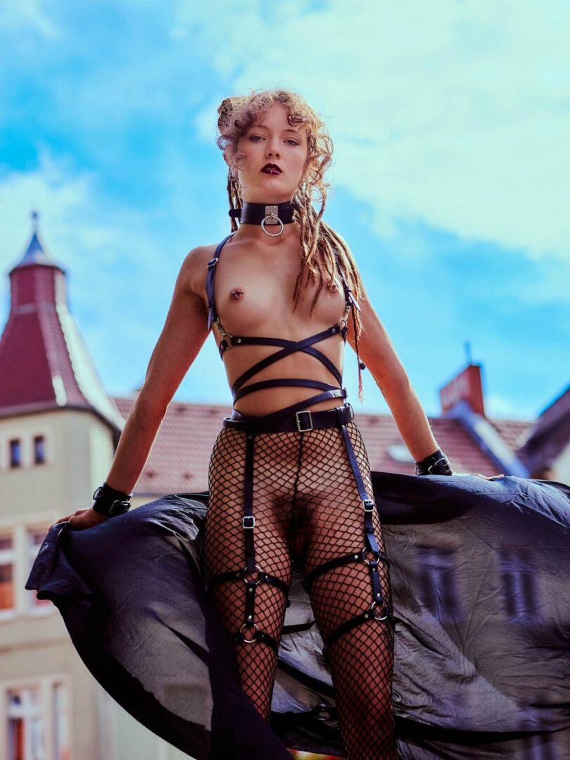 Leona as Kinky greek Goddess in Neukölln - 22