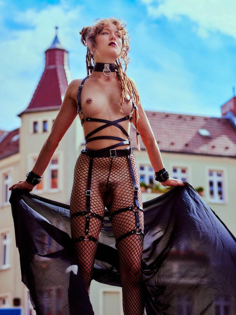 Leona as Kinky greek Goddess in Neukölln - 24