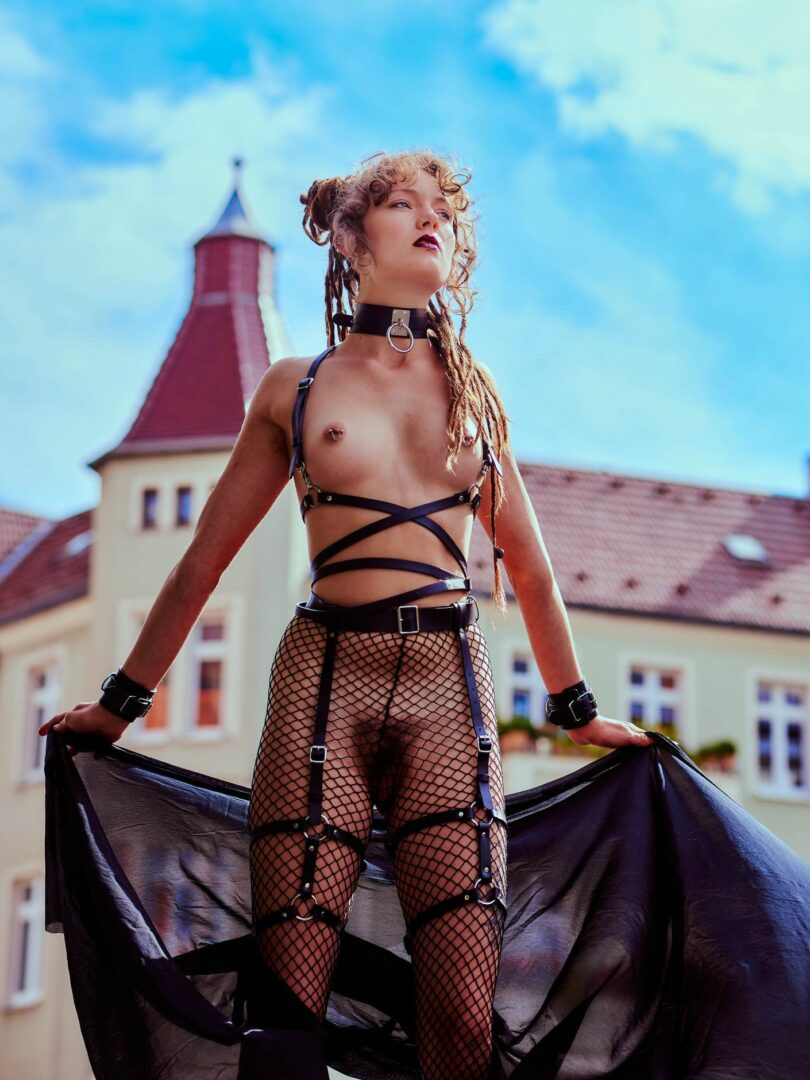 Leona as Kinky greek Goddess in Neukölln - 25