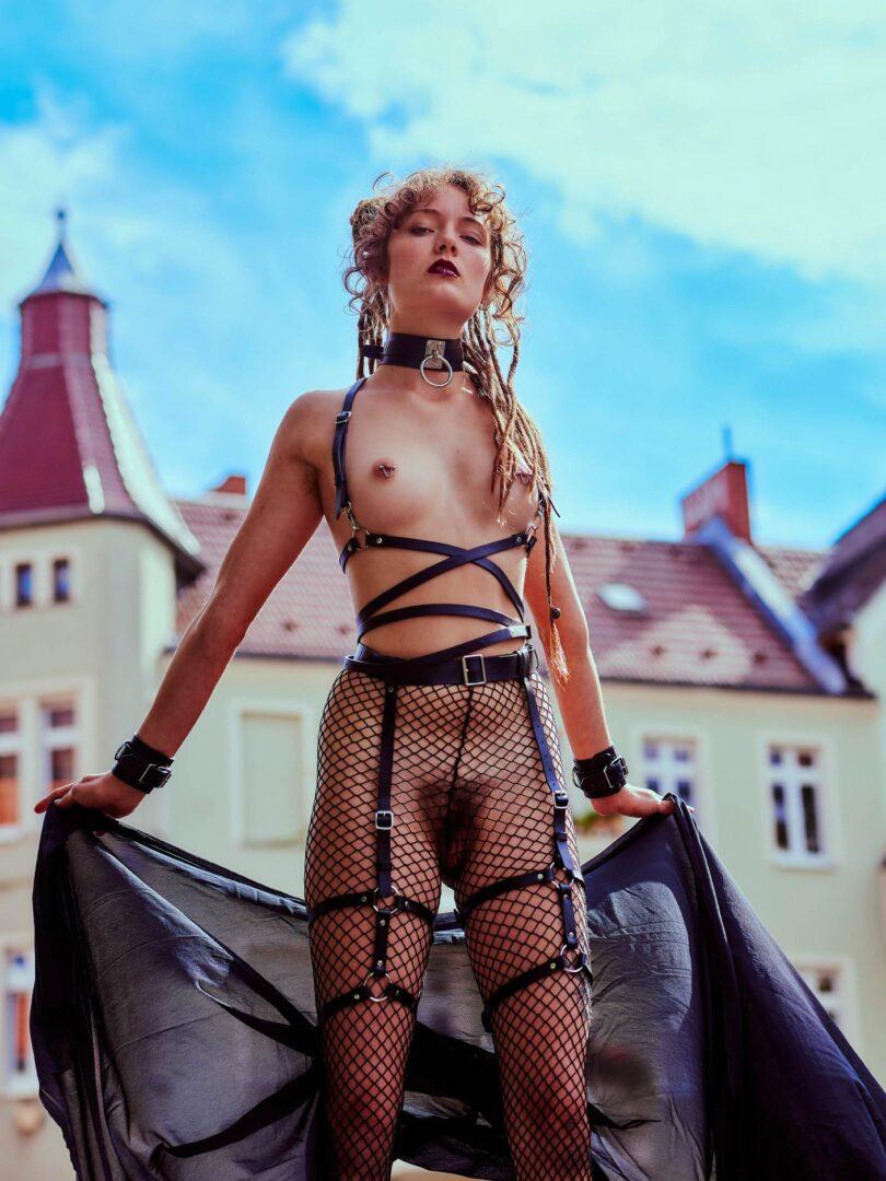 Leona as Kinky greek Goddess in Neukölln - 26